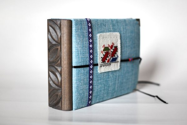 албум, видин, цвят, дърворезба, шевица